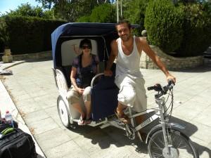 Une cliente sur le vélo-taco