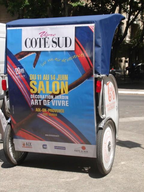 Publicité à Arles: Taco and Co annonce le salon Côté Sud 2010