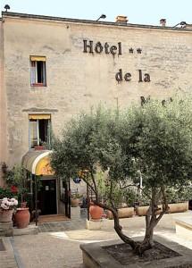 Hôtel de la Muette à Arles