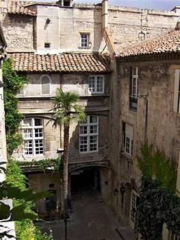 Hôtel trois étoiles dans le centre historique d'Arles:Hôtel Arlatan