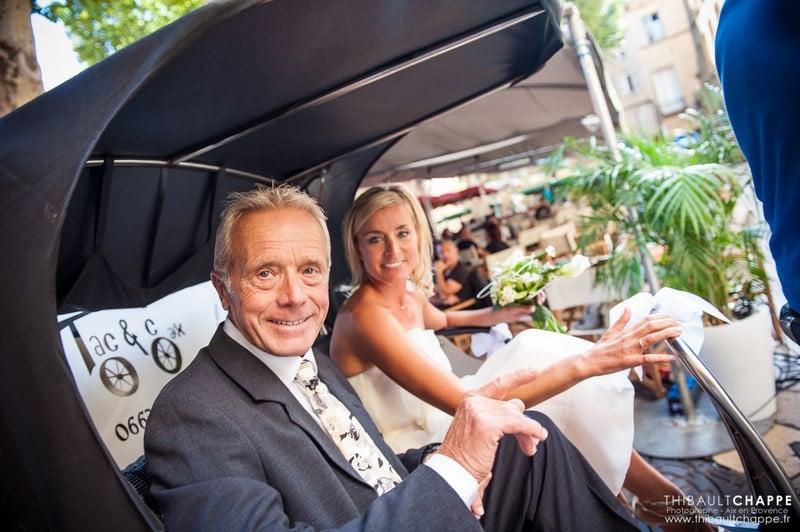 mariage original à Aix-en-Provence à bord d'un vélo-taco