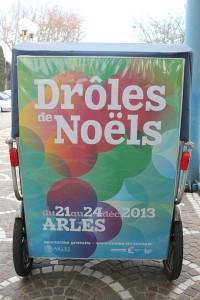 Les Drôles de vélo pendant les Drôles de Noëls  d'Arles du 21 au 24 décembre 2013.