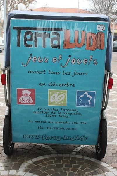 Des Jeux et des jouets sur Arles chez Terra Ludi.