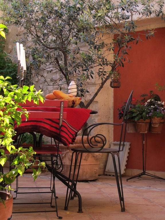 L'atelier du Midi ouvre des chambres d'hôtes dans le centre ville d'Arles.