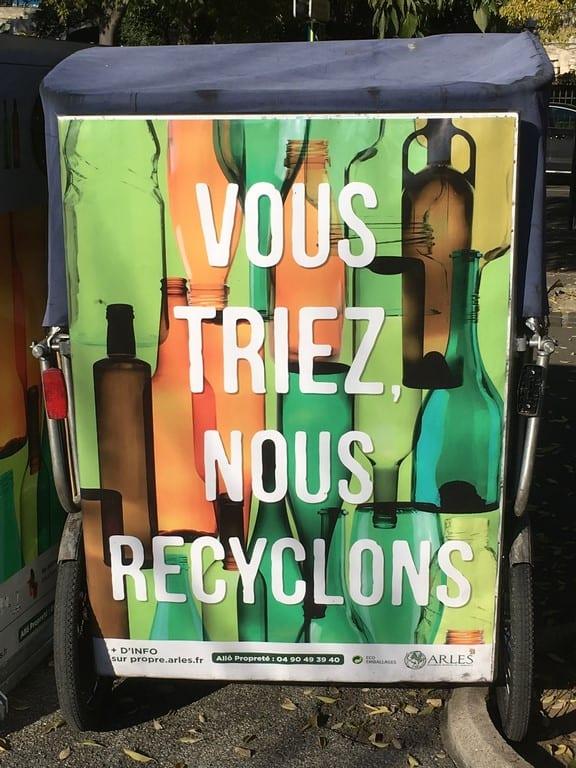 Tri sélectif du verre à Arles, nouvelles colonnes à verre dans le centre d'Arles